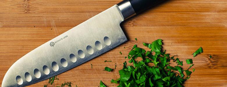 Coltello-Santoku-per-verdure